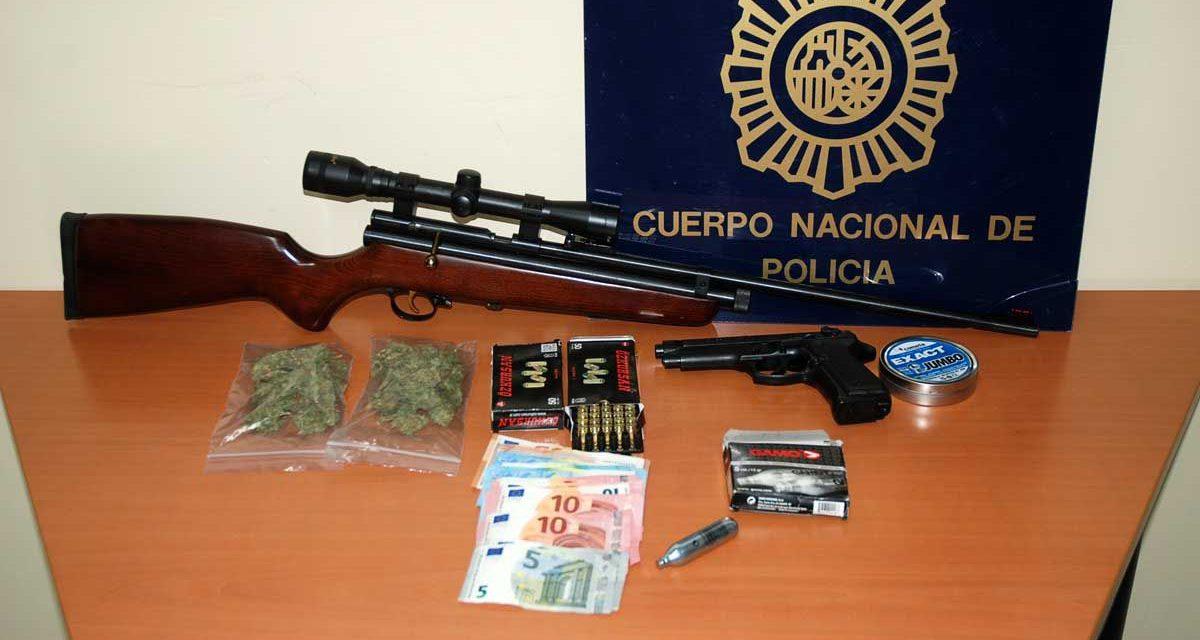 La Policía Nacional detiene en Jaén tras una persecución a dos jóvenes que vendían droga