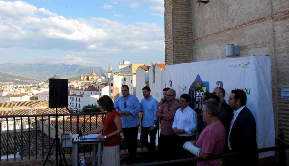 """Los Baños Árabes acogen un anticipo de lo que ofrecerán este año los festivales que conforman """"Jaén en julio"""""""