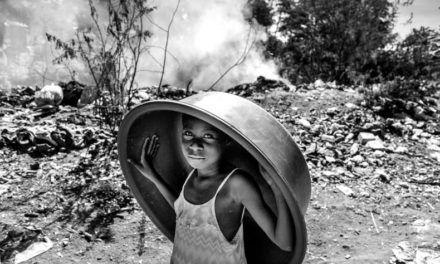 El granadino José Hernández gana el Certamen de Fotografía Solidaria de Diputación por una serie sobre Camboya