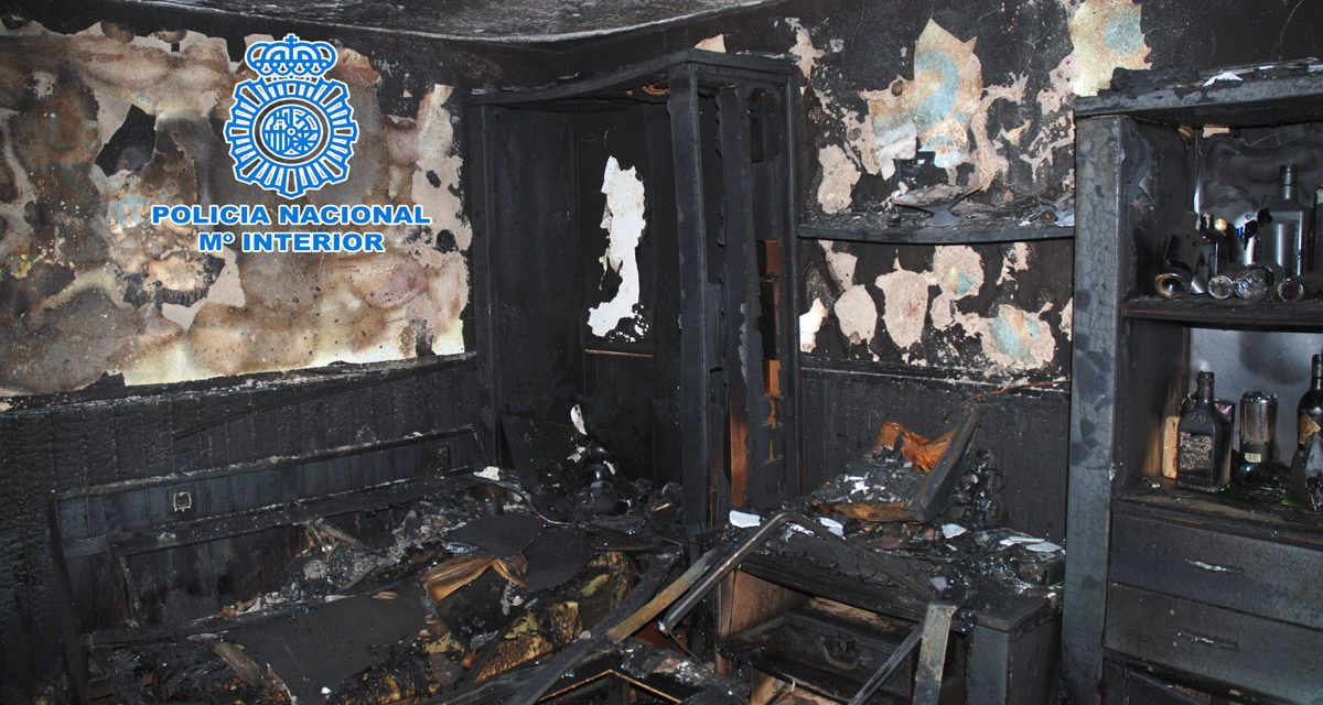 La Policía Nacional detiene en Jaén a una pareja que denunció de forma fraudulenta el incendio de su casa