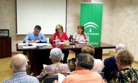La Junta refuerza la atención a personas dependientes con el desarrollo de talleres que promocionan la autonomía personal