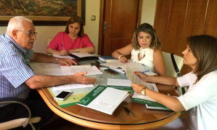 La Comisión Gestora de la Cámara de Comercio  de Jaén se constituye y acuerda publicitar la apertura del proceso electoral en la entidad