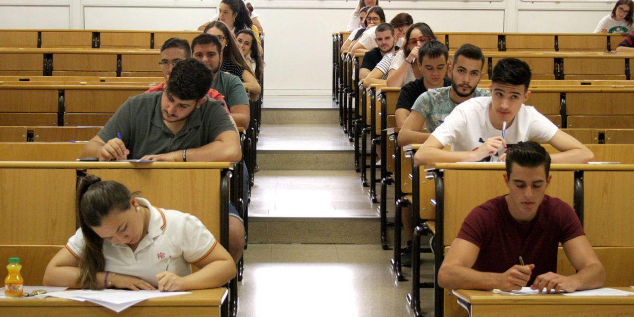 Normalidad en el inicio de las Pruebas de Acceso y Admisión a la Universidad, en la que se han presentado 689 estudiantes