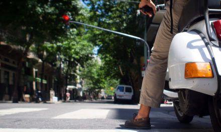 Nuevas medidas de tráfico en la Avenida de Granada para agilizar la circulación