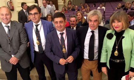 Reyes anima al IEG a aprovechar el prestigio adquirido con el legado de Miguel Hernández y extenderlo a otros proyectos