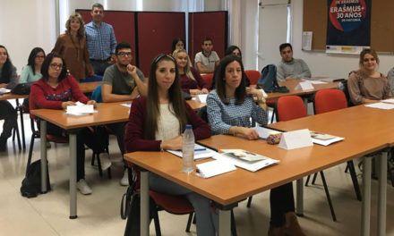 El Ayuntamiento inicia una nueva acción formativa para formar a jóvenes en atención al cliente