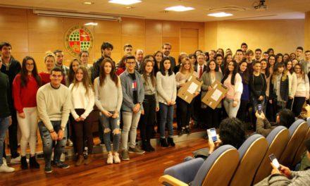 El Rector de la UJA reconoce la excelencia académica de alumnado de nuevo ingreso y a los ganadores de las fases provinciales de las Olimpiadas