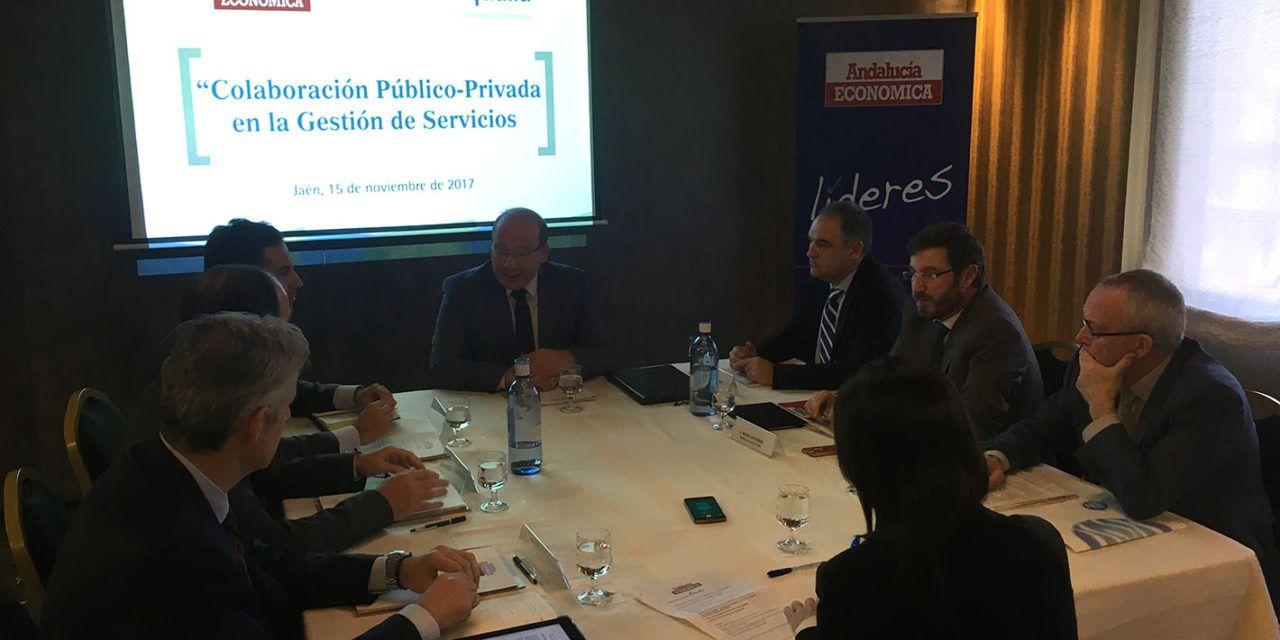 """El alcalde destaca como """"fundamental"""" la gestión público-privada para garantizar la eficacia en la prestación de los servicios"""