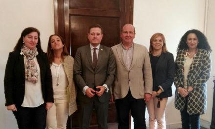 El alcalde recibe a la nueva Junta de Gobierno del Colegio de Procuradores de Jaén