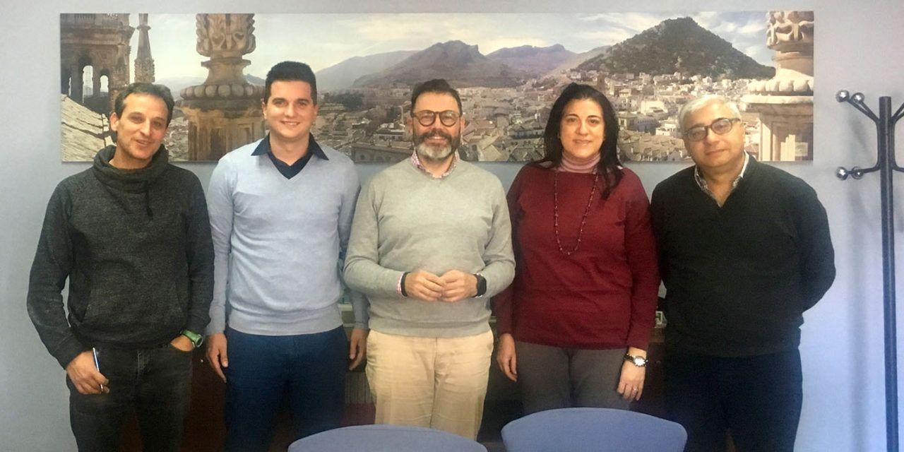 Valdivielso se reúne con representantes de la gremial del Taxi de Jaén para abordar la creación de una Comisión Provincial