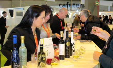 Diputación valora las alianzas con otros territorios y con diversos operadores turísticos alcanzados en Fitur 2018