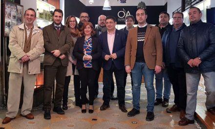 Reyes se compromete a buscar fórmulas de colaboración con el Centro de Interpretación de Olivar y Aceite de Úbeda