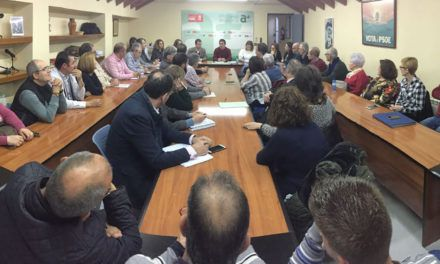 El PSOE se reúne con el movimiento vecinal de Jaén