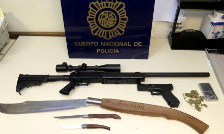 La Policía Nacional detiene en Jaén a un joven que agredió a su madre con una cuerna de ciervo