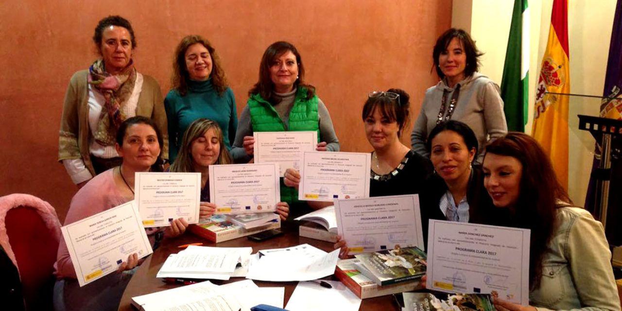 Entregados los diplomas a 18 mujeres que han participado en el programa CLARA