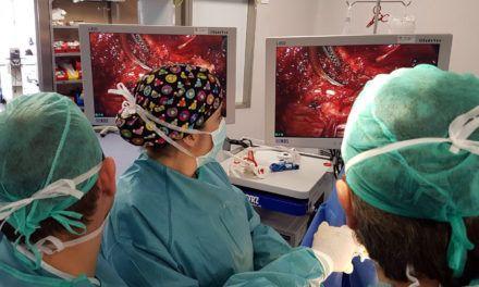 El Complejo Hospitalario de Jaén realiza una nueva técnica quirúrgica beneficiosa para los pacientes operados del tórax