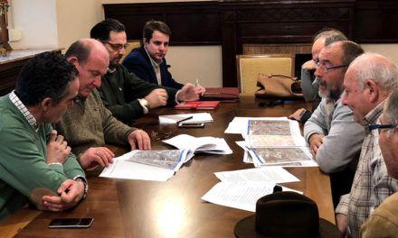 La Asociación de Vecinos Pago Pozuela se reúne con el alcalde para expresar sus necesidades