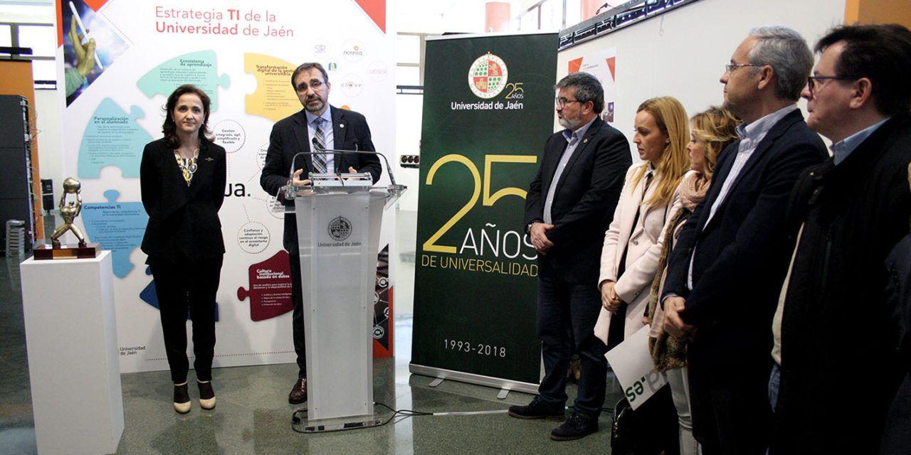 La exposición '25 años UJA. Hacia la Universidad Digital' muestra la evolución de los servicios TIC de la Universidad de Jaén desde su creación