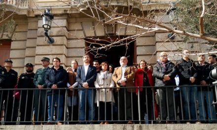 Jaén guarda un minuto de silencio en memoria del niño Gabriel Cruz