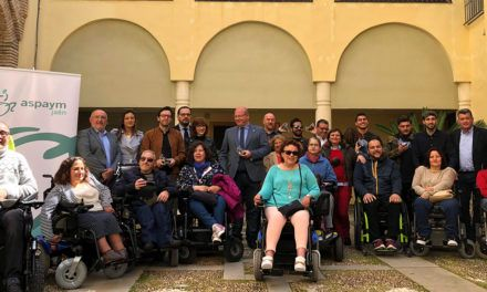 Aspaym visibiliza el día a día de las personas con movilidad reducida con la campaña 'Ponte un minuto en mi vida'