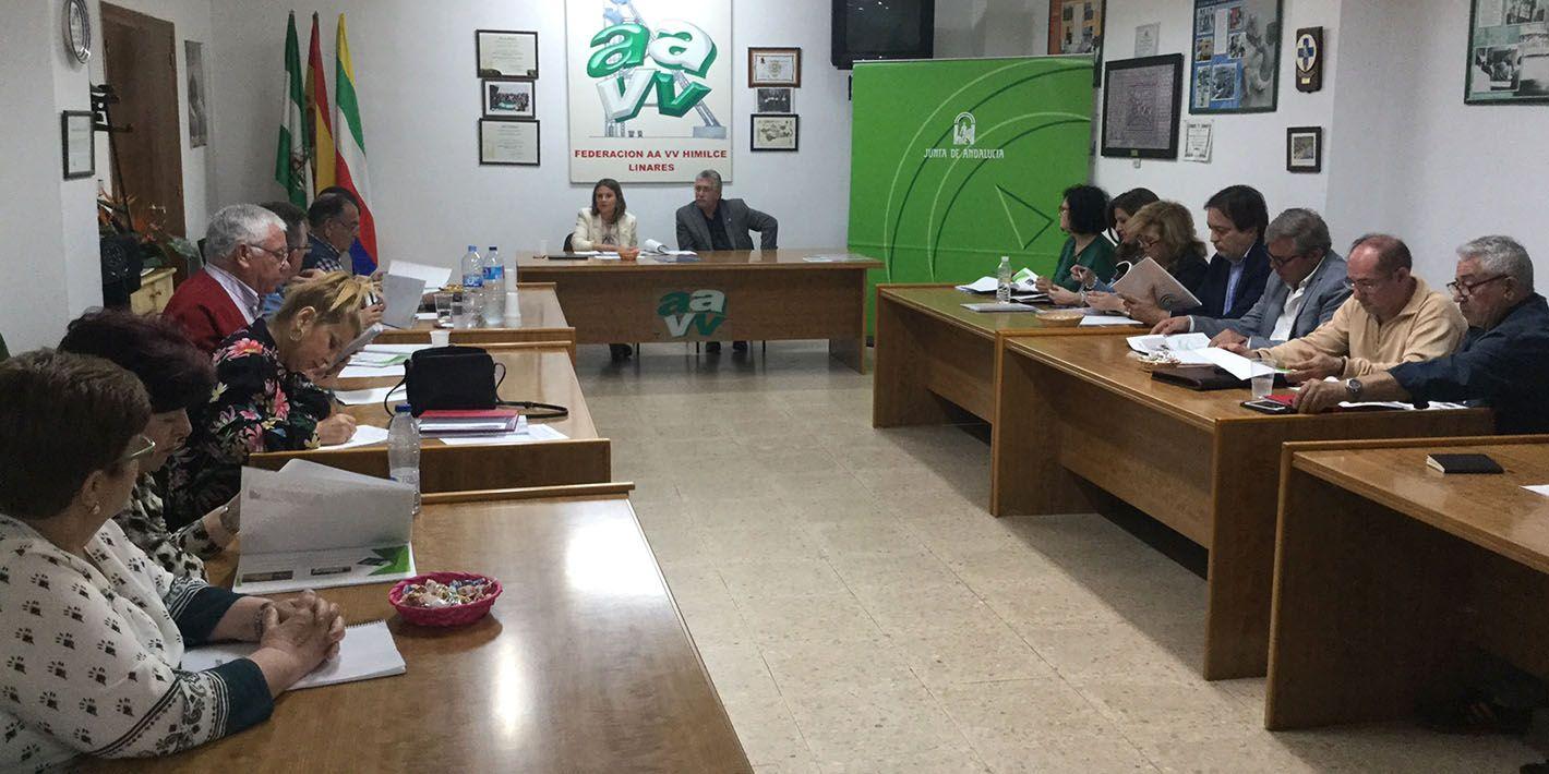 La Junta aborda con asociaciones vecinales los proyectos en los que viene trabajando en Linares