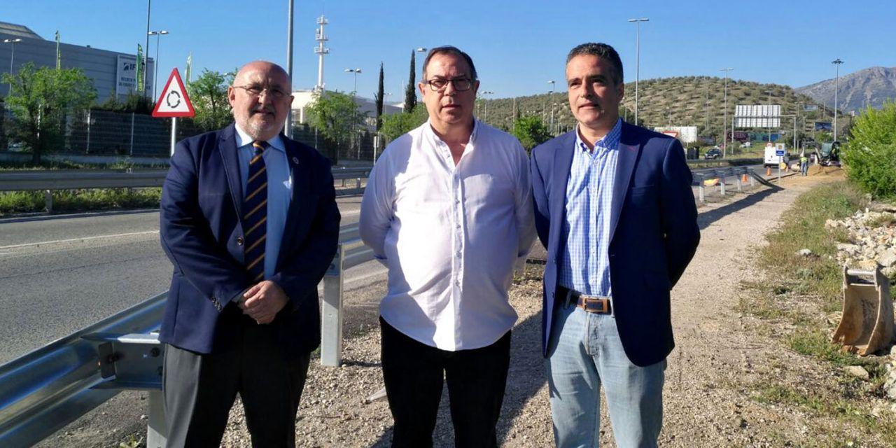 El Ayuntamiento realiza mejoras en el Polígono Llanos del Valle