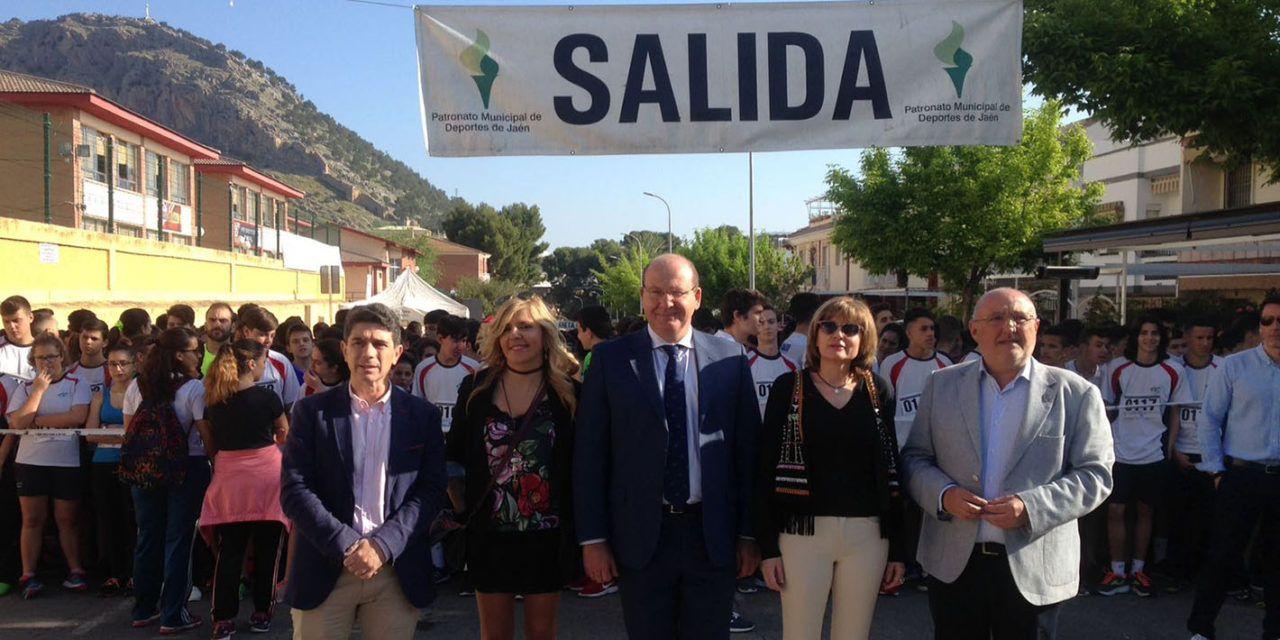 Javier Márquez da el pistoletazo de salida a unas las carreras más populares de Jaén