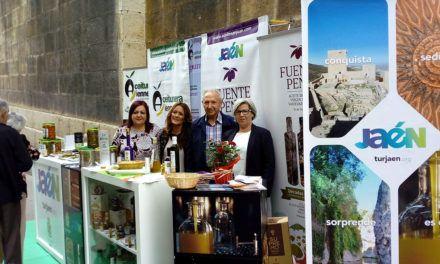 """El AOVE y las aceitunas gourmet de la capital se promocionan en el programa """"Jaén Capital del Pádel"""""""