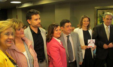 """Francisco Reyes destaca la """"magnífica labor"""" de Cruz Roja porque """"llega a donde no lo hacen las administraciones"""""""