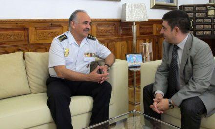 El presidente de la Diputación recibe la visita del nuevo comisario de la Policía Nacional en Jaén