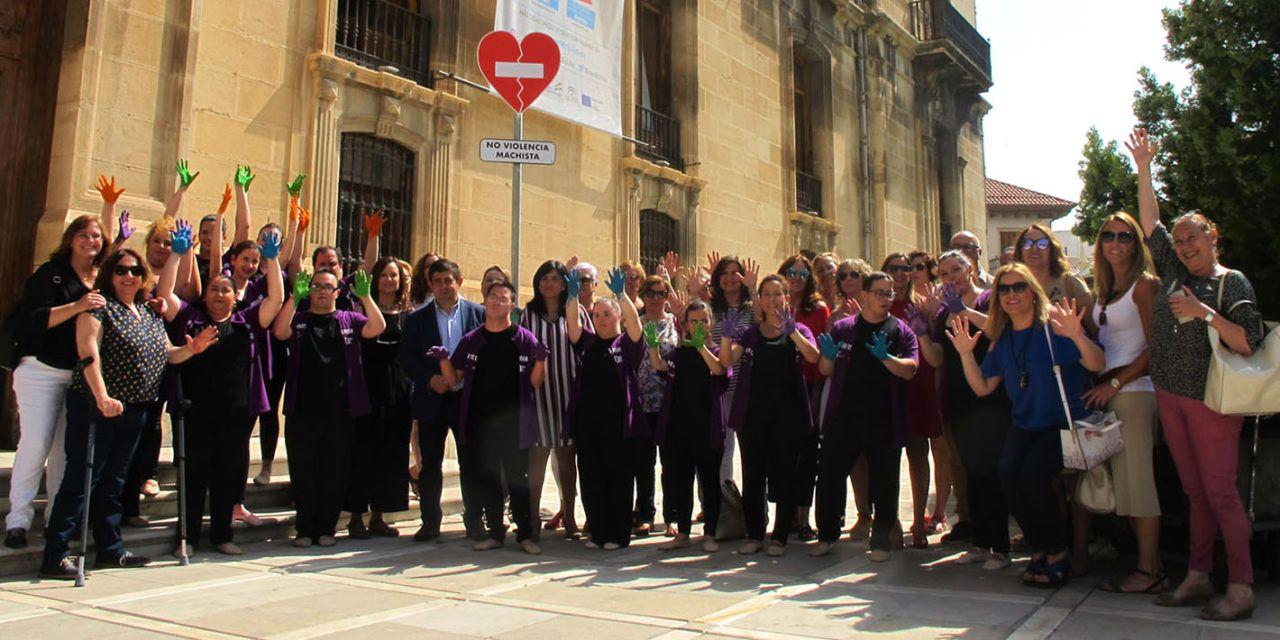 Diputación instala una señal contra la violencia de género en la lonja del Palacio Provincial para ayudar a combatir esta lacra