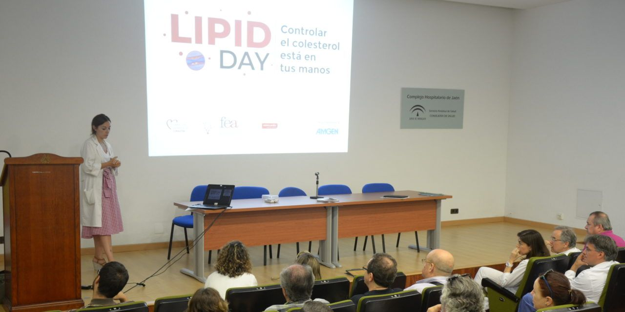El Complejo Hospitalario de Jaén se adhiere a la campaña para fomentar el control de los niveles del colesterol en la sangre