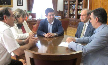 Los médicos Ramiro Rivera y José María Capitán se incorporan como consejeros al IEG de la Diputación