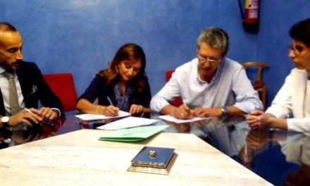 Convenio para entregar libros de texto a familias en situaciones económicas desfavorables