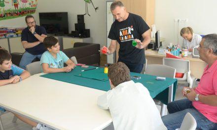 El Complejo Hospitalario de Jaén celebra la fiesta de inauguración de su curso escolar 2018-19 con un espectáculo de magia