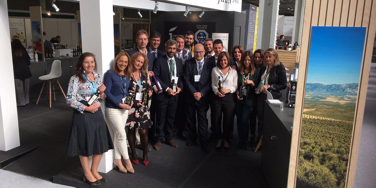 El AOVE de Jaén se lanza a la conquista del mercado británico con su presencia en The Restaurant Show