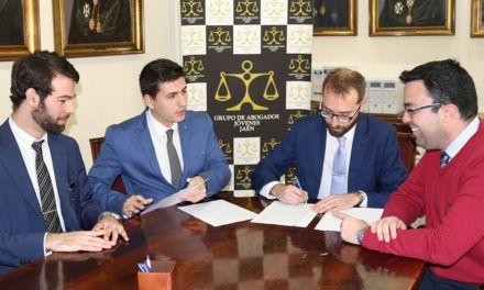 El Grupo de Abogados Jóvenes y la Asociación de Estudiantes de Derecho de Jaén firman un convenio de colaboración