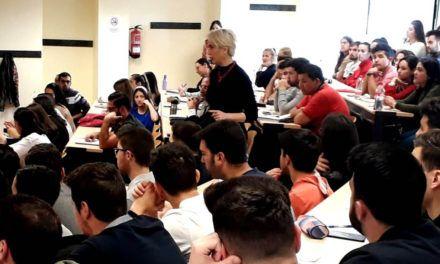 La nueva directora gerente de Andalucía Emprende participa en la Cátedra Santander Empresa Familiar de la UJA