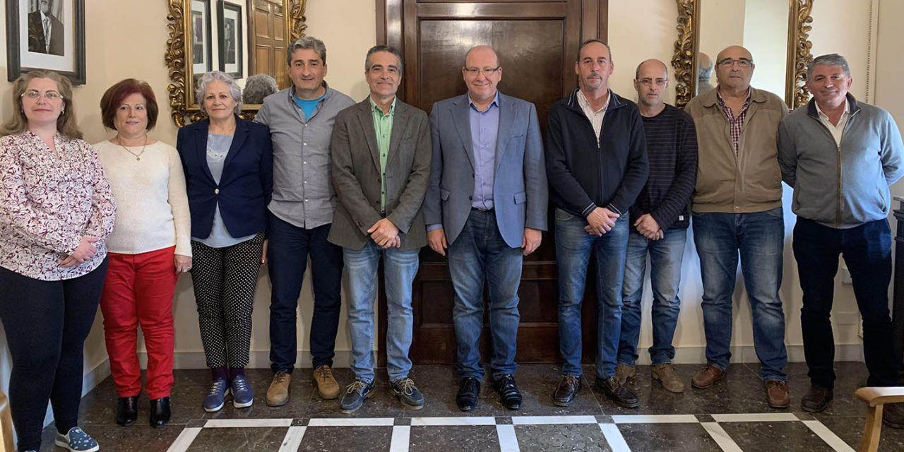 """El alcalde se reúne con la AVV Entre Cantones y destaca el trabajo conjunto """"para mejorar la calidad de vida de los jiennenses"""""""