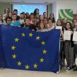 El coordinador del Instituto Andaluz de la Juventud entrega los diplomas del programa Erasmus+ de Juventud