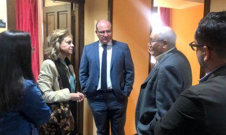 """Del Moral y Márquez destacan la labor social de Cáritas y priorizan inversiones para """"luchar contra la pobreza y exclusión social"""""""