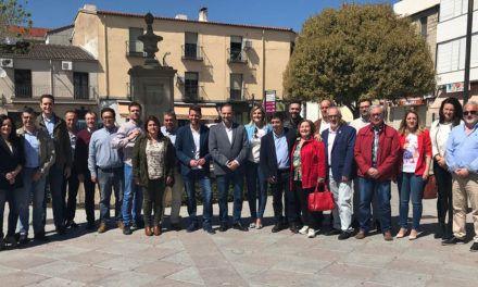 Ábalos se compromete a ejecutar la A-32 hasta Villanueva