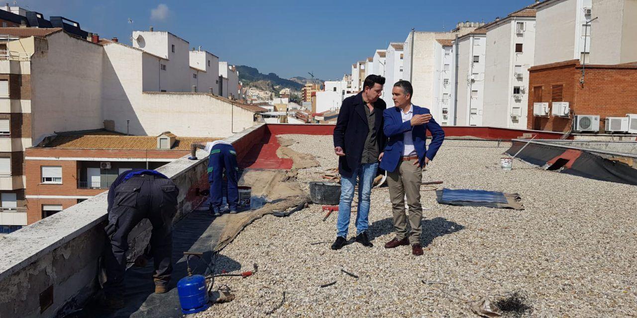 El Ayuntamiento repara las cubiertas de la sede central de la UPM