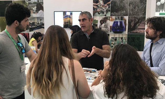 La Universidad de Jaén presenta en EXPOLIVA el proyecto SUSTAINOLIVE para la mejora de la sostenibilidad del olivar y la gestión de los subproductos de las almazaras