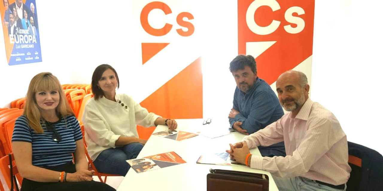 María Cantos promoverá convenios de colaboración con el Secretariado Gitano que incidan en la educación de los menores