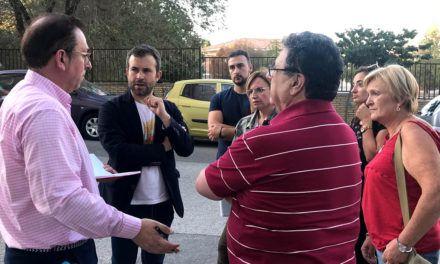 La asociación de vecinos Europa expone sus demandas al alcalde
