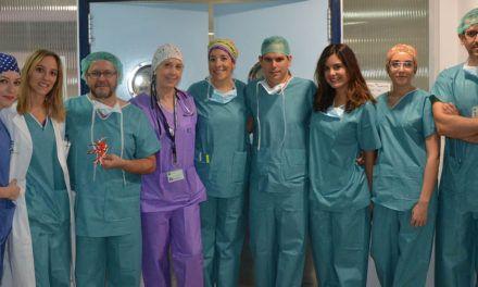 Facultativos del Hospital de Jaén forman a especialistas en cirugía torácica mínimamente invasiva con tecnología de impresión 3D