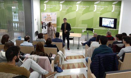 Beneficiarios de las becas Talentium 2019 de la Diputación conocen las posibilidades de empleabilidad en la provincia