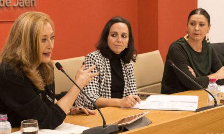 La periodista y escritora Elisa Beni apela al cumplimiento de las normas y de la ética del Periodismo para luchar contra la desinformación y la propaganda