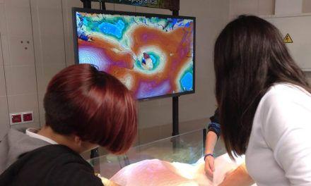 Alumnado del 'IES Martín Halaja' conocen cómo crear un mapa topográfico, en la Semana de la Ciencia en la UJA